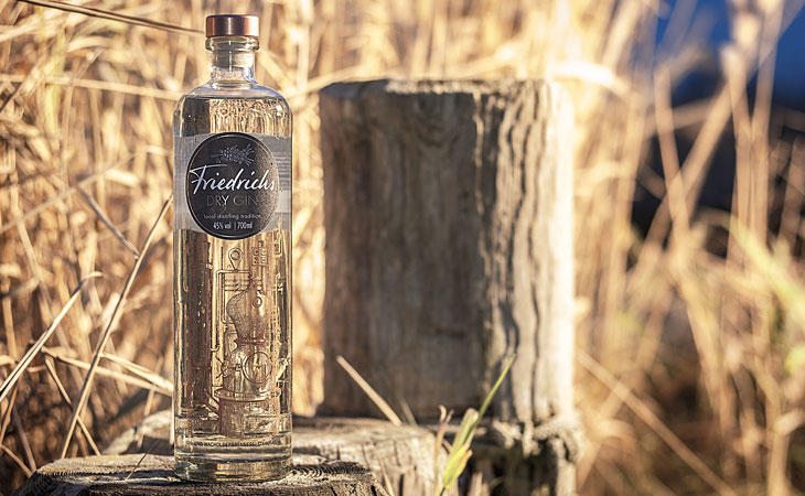 Friedrichs Dry Gin - Lifestyle