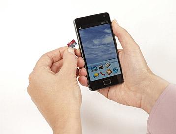 Sandisk microSD-Speicherkarte im Smartphone