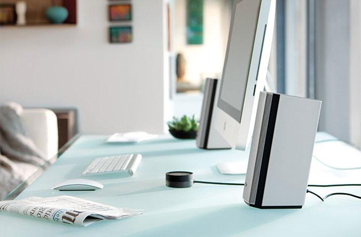 Bose PC Lautsprecher auf dem Schreibtisch